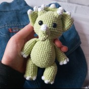 Dinosaur, English crochet pattern