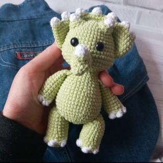 Dinosaur, English crochet pattern