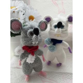 Мышь белая, а также серая...