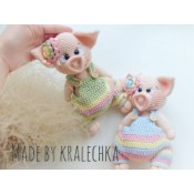 Свинка в комбинезоне