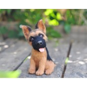 Собака Немецкая овчарка.
