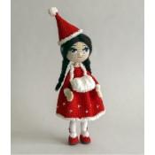 Рождественская девочка. Миниатюрная кукла крючком.