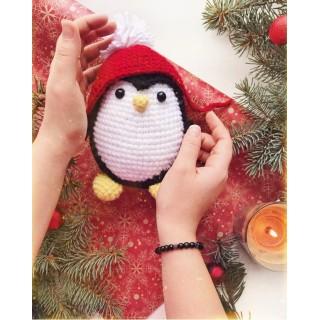 Пингвин в красной шапочке