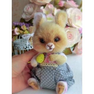 Весенний крольчонок