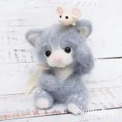 Пушистый котенок Персик (с мышонком)
