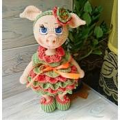 Свинка модница