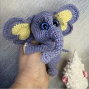 СлонЯШКА - сердеШные ушки.